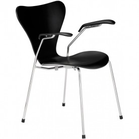 Series 7 chair with armrests - Arne Jacobsen Fritz Hansen